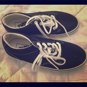 vans in perfect condition only been worn two times